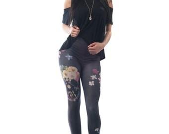 Gypsy Skull Leggings, Floral Pressed Flowers Art Printed Tights, Distressed Black Yoga Legging
