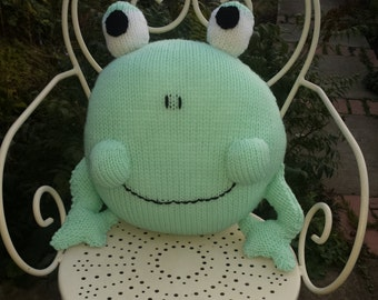 Fredi frog cushion
