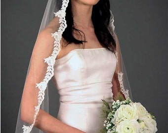 Corded lace edge one tier fingertip veil
