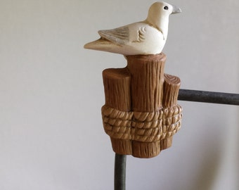 Ceramic Sea Gull on pilings Magnet(#225)