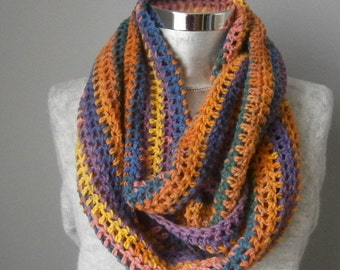 Light handknit scarf, knit scarf, infinity scarf, Winter Scarf, Cowl, Knit Scarf, circle scarf, chunky scarf Many Colors FAST DELIVERY