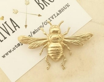 Large Bee Brooch Gold Bumble Bee Tie Tack Gold Bee Lapel Pin Bumble Bee Pin Insect Brooch Woodland Wedding Accessories Honey Bee Jewelry
