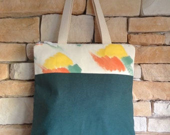 Style tote in canvas fabric and hand-painted fabric bag. Tote bag.