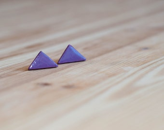 Purple stud earrings,Magenta earrings, Violet earrings, Eggplant earrings, Purple earrings, Triangle earrings, Small purple earrings