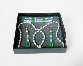 Costume jewelry - set Necklace / Bracelet / earrings for women - tranquility