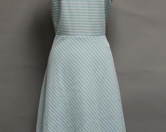 1147 - Vintage JAREE CLASSICS Dress Size 16 Blue White Striped Polyester 1970s