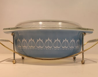 Blue Tulip Pyrex - Covered Casserole Dish - #043 - 1 1/2 Quart - Blue Pyrex - Cooling Rack - Blue Pyrex