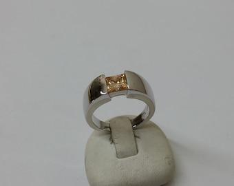 Beautiful ring 925 Silver Orange Crystal stones SR685