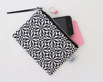 Zipper pouch//Coin Purse//Pouch//Small wallet//Original ANJESY designs.