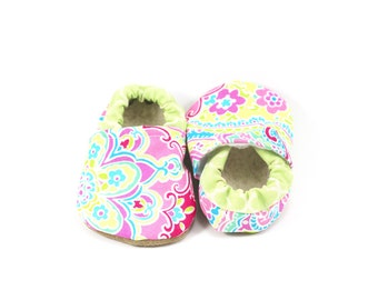 Paisley baby shoes girl baby booties  soft sole shoes toddler shoes pink baby shoes vegan baby shoes pink crib shoes lilly pulitzer baby