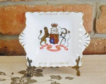 1954 Australia Royal Visit souvenirware, Crown Staffordshire square twin handled fine bone china dish
