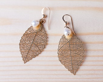 Gold leaf and white pearl earrings, dangle leaves earring, delicate laser cut 14kt gold filled leaves earrings with freshwater white pearls