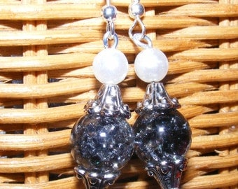 Black marbleized with pearl earrings
