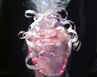 Baby bucket gift set ideal for birth, Christening or baby shower