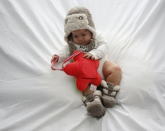 Baby Gift - Babyboys Hat - Crochet Hat - Baby Winter Hat - Crocheted Winter shoes