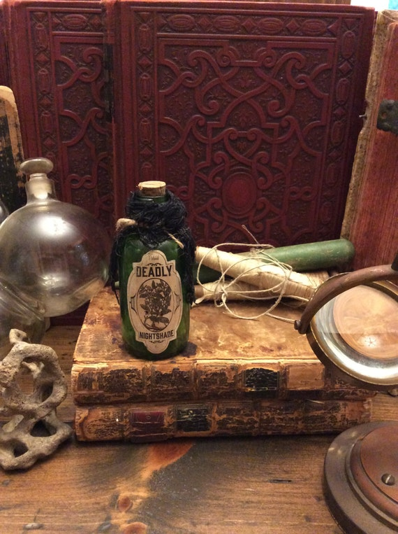 Potion Bottle, Deadly Nightshade, Belladonna, Witch's Pantry, Halloween (0058)