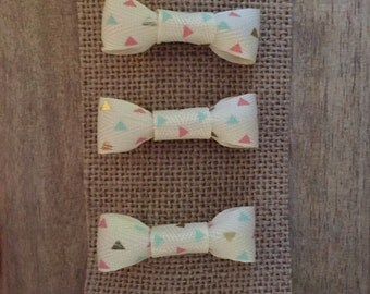 Aztec triangle design hair bow (set of 3) • Handmade