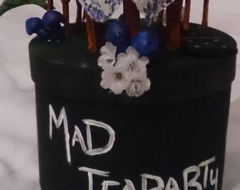 Tea Party] Alice in Wonderland and Alice madness returns inspired little Wonderland jewellery box