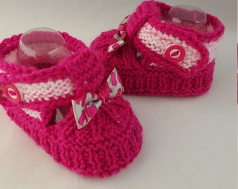Red, brights Baby booties, baby shoes, baby boots,baby slippers,baby gift, knitted baby booties, baby shower, newborn, handmade, shoes