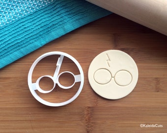 Harry Potter Cookie Cutter. Harry Potter Cookies. Harry Potter Gifts. 3D Printed. Birthday Cookies. Custom Cookies. Cookie Mold.