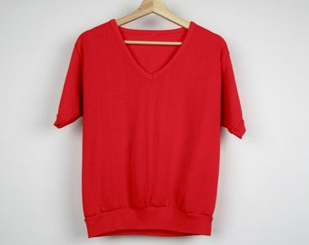 Vintage Red Sweatshirt / 80s V-neck Short Sleeved Shirt Classic Throwback Retro / Medium M