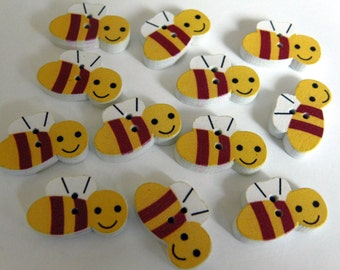 12 Bee Wooden Buttons #EB55