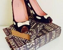 Vintage Black Velvet Marc Jacob Heels/ High Heels/ Pumps/ Pink and Black/ Party Shoes/ Velvet Vintage Shoes/ Bow Design/ Designer Shoes