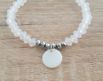 Pretty bracelet with mother of Pearl pendant