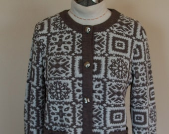 1960s Knit Cropped  Lightweight Jacket of Heather Brown Geometric Print
