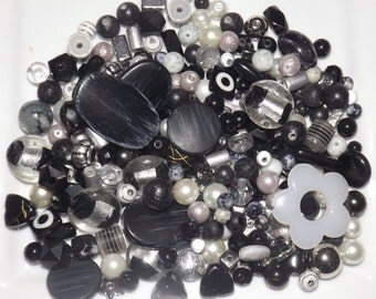 Lot of 200GR mixed beads, Black/White/Grey