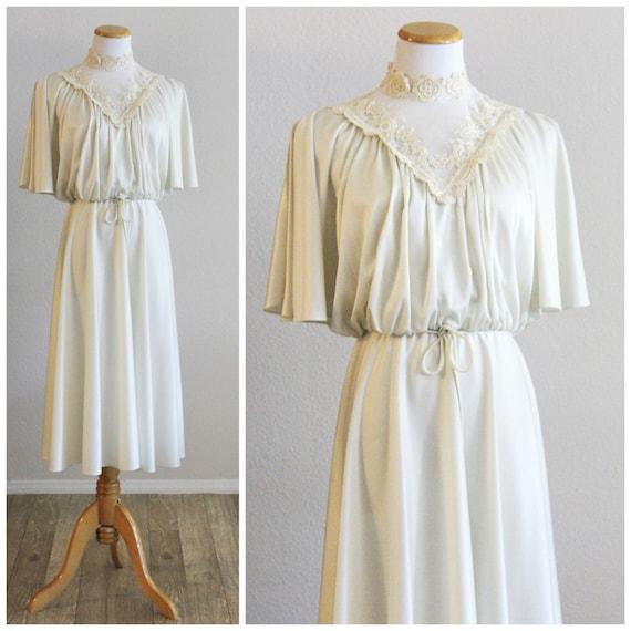 2f0ebfc8b5 Vintage 70's Cream Victorian Lace High Collar Split Butterfly...