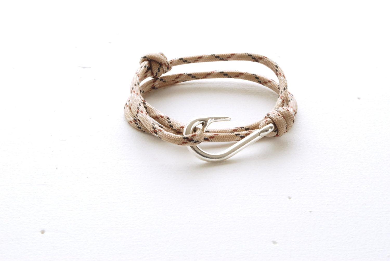 Fish hook bracelet womens knotted bracelet mens paracord for Mens fishing bracelet