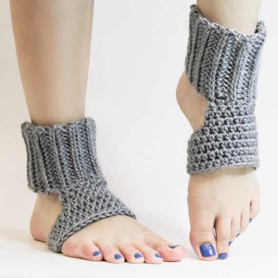 Crochet Pattern Yoga Pants : Simple Crochet Yoga Socks Pattern with Instructions in Writing