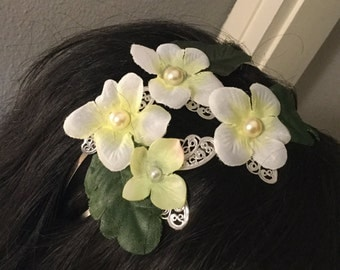 Trim hair with butterflies and flowers