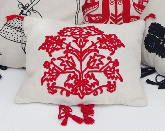 "Linen cushions, hand-embroidered ""Rubra-Dianthus"""