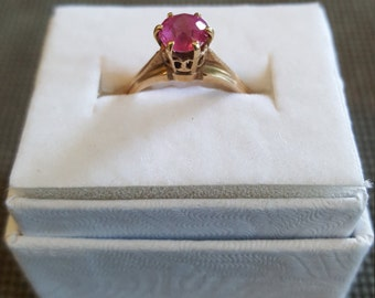 Pink Topas Ring in yellow gold