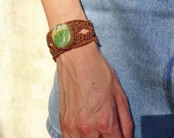 macrame bracelet with jade stone