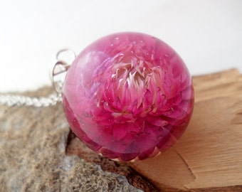 Resin Jewelry - Natural jewelry Botanical pendant Gelihrizum resin dried flowers Red pendant Resin Red Necklace Autumn gifts