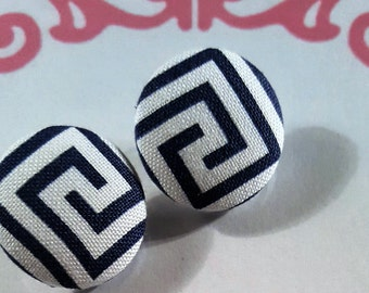 Med. White/Navy Geometric Post Earrings