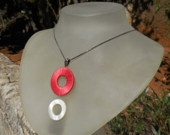 Pomegranate - handmade thread and shell Necklace