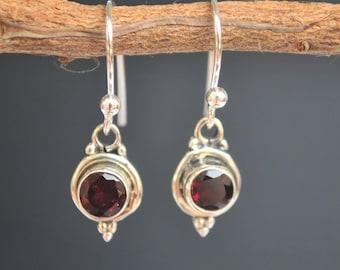 Garnet earrings * Wine red earrings * Sterling silver earrings * Gemstone earrings * Dangled earrings * Burgundy * Lightweight * BJE017