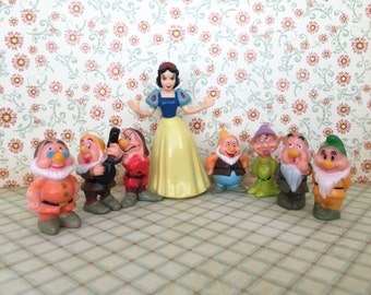 8 Pcs Set ~ Disney Snow White and The Seven Dwarves CAKE TOPPER Figure Set, Cupcake Figurine Topper Kids Birthday Party