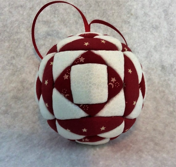 140 SquareNSquare - Red and White Christmas ornament from a quilt pattern