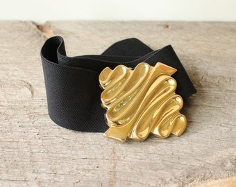 wide black stretch belt with gold buckle . 1980s elastic cinch belt . large xl belt . volup belt