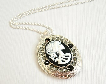 Lolita Day of the Dead Goddess Cameo Black and Silver Locket, Halloween, Gothic Lolita Necklace, Victorian Goth