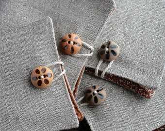 Small Linen Needle Book - Ceramic button