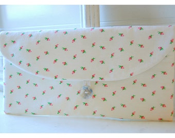 shabby chic pink roses clutch purse Spring Wedding Bridal Clutch Pink Bridesmaid Gift Bridesmaid Clutch vintage Clutch Wedding Accessory