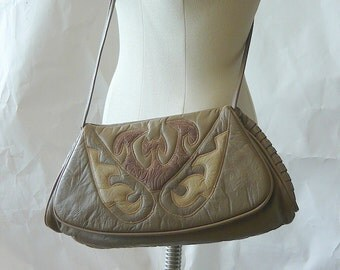 LONG Quilted Leather Shoulder Bag Envelope Clutch MIRIAM Cross Body Purse Taupe Tan USA 1980s