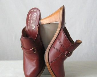 70s Clogs Platform Shoes Leather Wooden Clogs by Connie Shoes Size 6