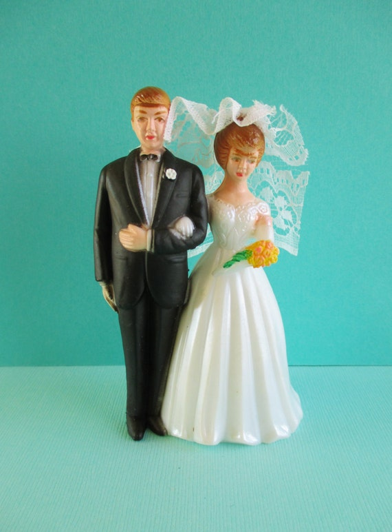 wedding cake toppers brighton vintage plastic and groom wedding cake topper 26426